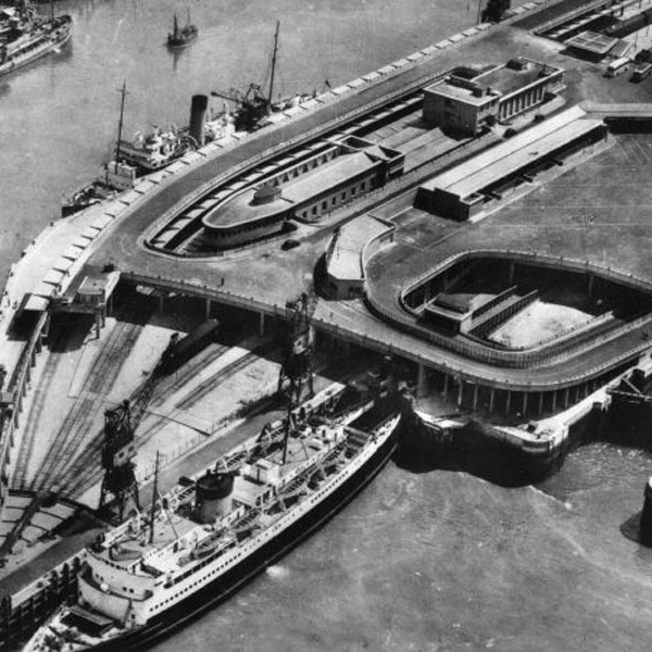Reconstruction of the port at Boulogne-sur-Mer